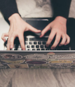 Hoe plaats je een afbeelding in een mailbericht?